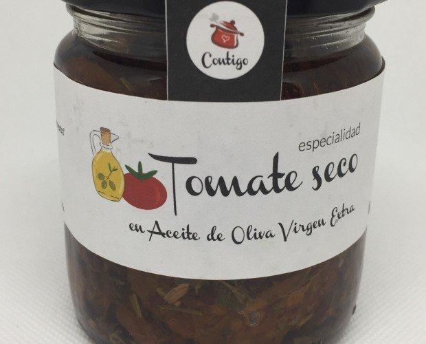 Tomate aove Eco. Tomate seco rehidratado*, aceite de oliva virgen extra*, sal marina*, hierbas aromáticas*.