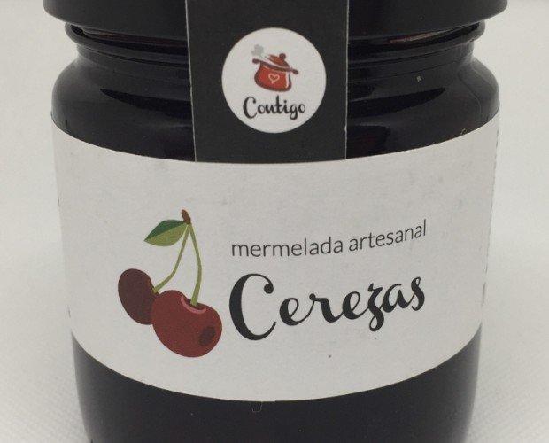 Cereza. Cerezas *,azúcar semiblanco de caña**, agar-agar. Elaborado con 71g de fruta por 100g de mermelada.
