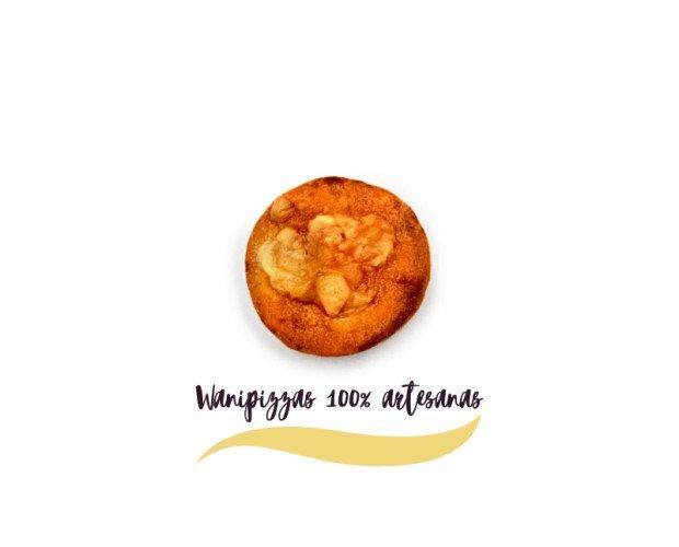 Snack Pizzas Perros. Elaboradas con harina de trigo, tomate casero y aceite de oliva virgen extra