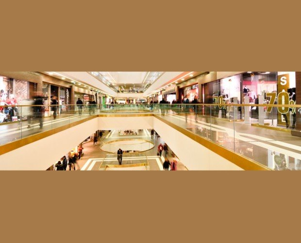 Centros comerciales. Cartelería publicitaria