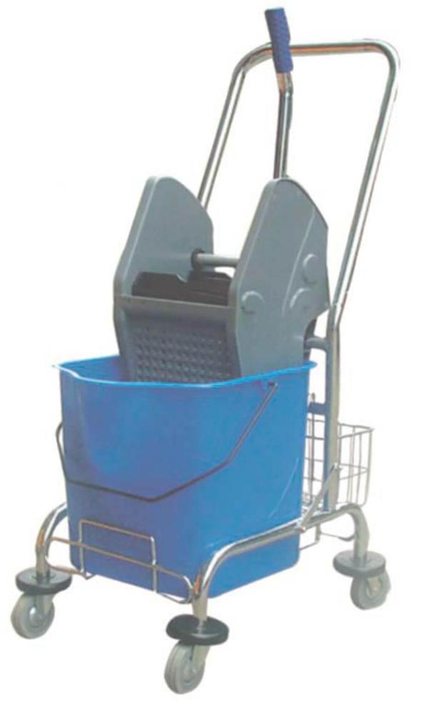Utensilios de limpieza. Cubo tanque con cesta