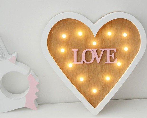 Caja corazón. Caja lumínica madera