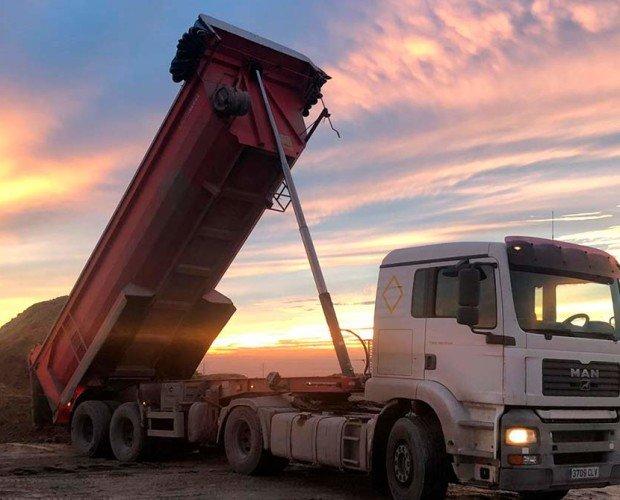 Alquiler de Maquinaria de Construcción.Contamos con vehículos para todo tipo de cargas