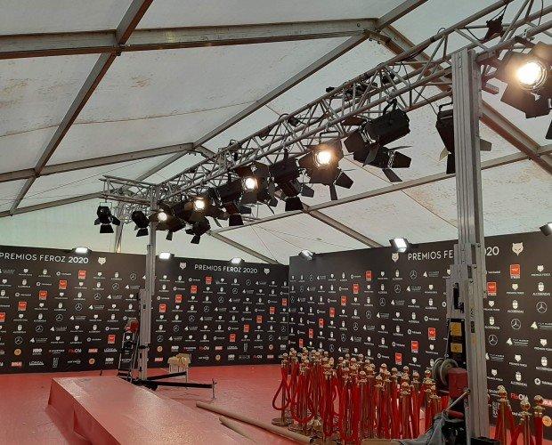 Alfombra Roja 2020. Instalación de la alfombra roja de los Premios Feroz 2020, celebrados en Enero