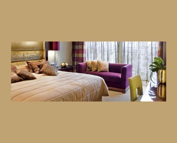 Hesperia Tower. Instalación de cortinas y textiles de cama