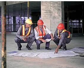 Construcción e instalaciones. Contamos con trabajadores cualificados
