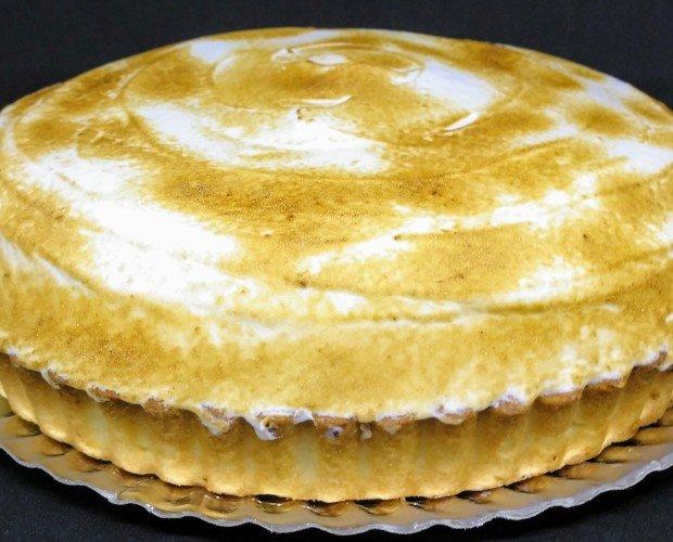 Limon Pie. Tarta de limón merengada con base de sable de mantequilla y merengue italiano tostado
