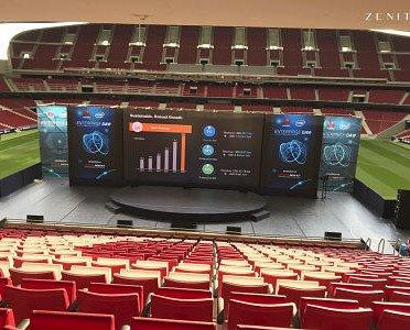 Montaje en Wanda. Escenario y audiovisuales en Wanda Metropolitano.