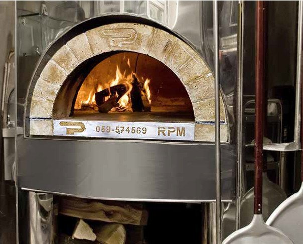Pavesi. Hornos pizzeria de gas,eléctricos,leña o mixtos.