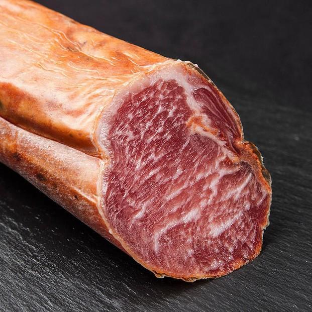 Lomo Ibérico Bellota. Lomo ibérico de bellota, en pieza o entero, lomos procedentes de cerdos de pura raza ibérica alimentados con bellotas en la dehesa...