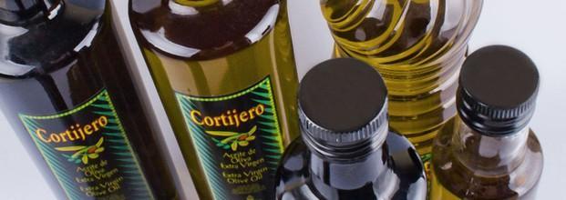 Aceite de Oliva Virg. Aceite de Oliva Virgen Extra de máxima calidad utilizando métodos de producción sostenible y respetuosos con el medio ambiente. Disponible en todos los formatos.
