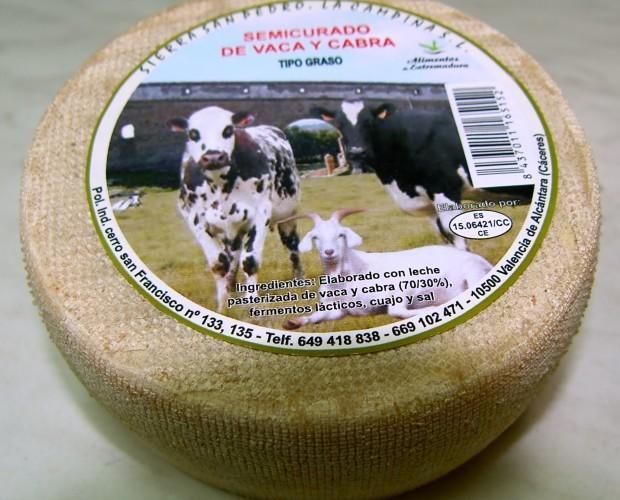Semicurado mezcla. Queso semicurado de vaca y cabra