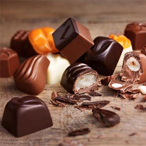 Duc D´O Chocolatier. Trabajamos estuchados, en varios formatos, desde el pequeño detalle hasta el estuche de kg; a granel envuelto individual y en bandeja...