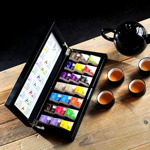 First Tea - Ecológic. Compuesto de una primera selección de las más delicadas hojas de té de la temporada. El cultivo del té verde, negro o blanco es 100%...