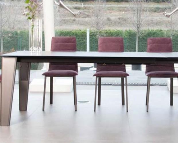 Sillas.Tenemos sillas y mesas de diseño