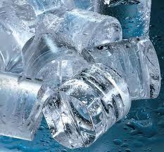 Hielo en cubitos. Cubitos de hielo de la mejor calidad