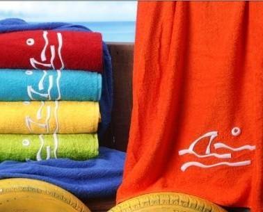 Toallas para la piscina. Tenemos toallas muy divertidas y otras más serias para que se adapten a todos los gustos