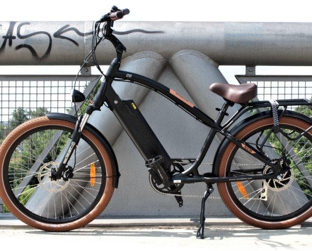 Bicicletas. Bicicletas Urbanas de Paseo. Bicicleta con un corte clásico
