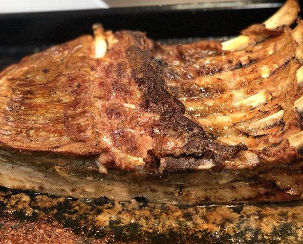 Costillar Black Pork. Precocinado durante 48 horas