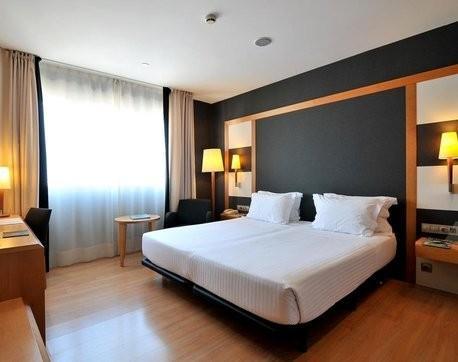 Hotel Madrid. Fabricación de cortinas, oscurante