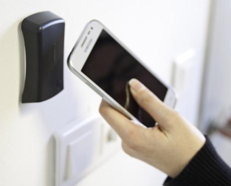 Acceso smartphone. Control de accesos con Smartphone Android y iOS