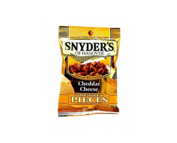 Snyders Cheddar Cheese. Pretzels duros de masa fermentada, con una intensa combinación de sabores