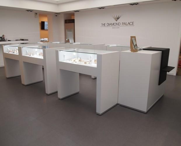 Im genes de instalshop mobiliario comercial for Proveedores de mobiliario