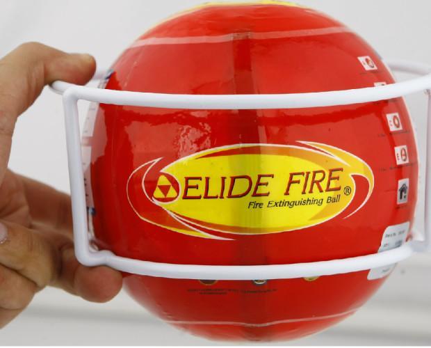 Soporte del dispositivo. La Bola Elide Fire con su soporte