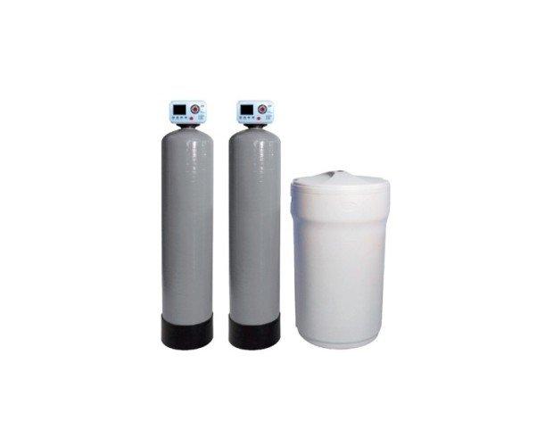 Descalcificador Automático Duplex. Compuestos por botellas en PRFV Greentank con distribuidores interiores y depósito de sal
