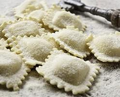 Pasta fresca ultracongelada. Elaborada con distintas formas y una amplia gama de rellenos.