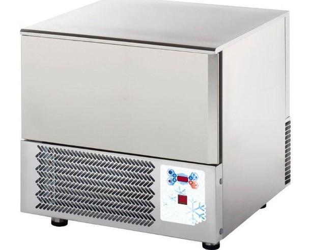 Abatidores de Temperatura.Con capacidad para 3 bandejas.