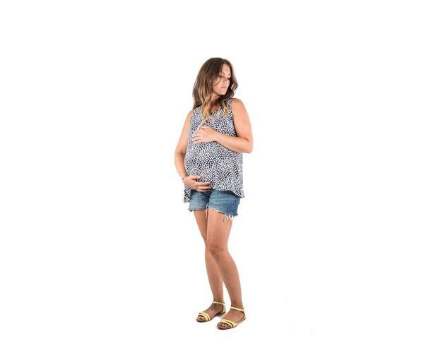 Camisas Premamá.Camisa de premamá y lactancia en bambula estampada en topos