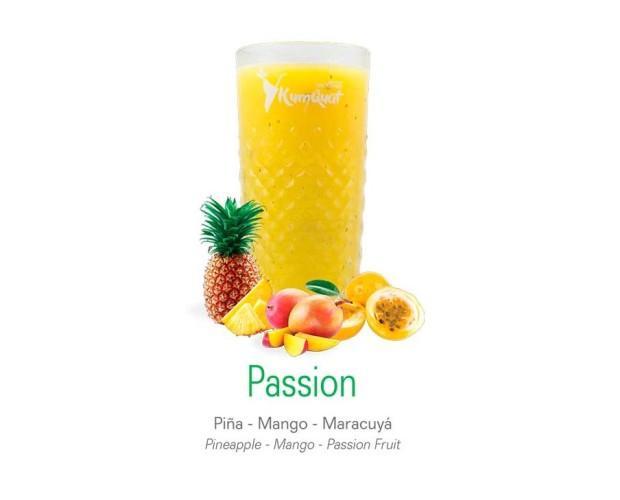 Passion. Bebida de piña, mango y maracuyá