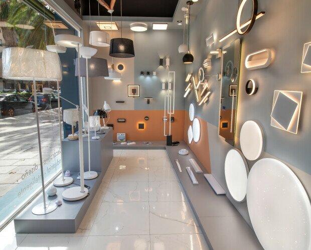 Tienda Led You Iluminación. Amplia exposición en el interior. Visítenos para recibir asesoramiento personalizado.