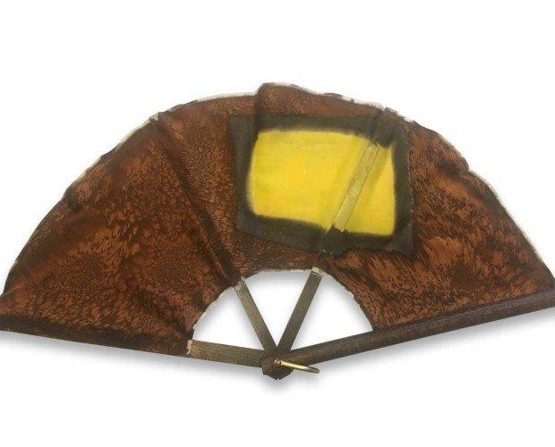 Silkfull N10. Los marrones en contraste con un vibrante amarillo protagonizan este diseño