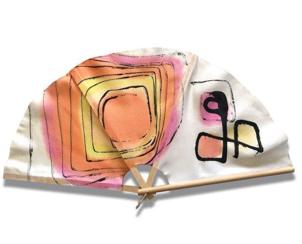 Silkfull Abanico N13. Abanico de alas de mariposa con colores cálidos
