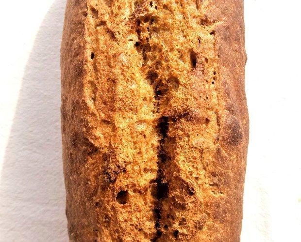 Pa espelta integral. Ingredientes: harina de espelta semintegral 100% eco, masa madre, sal y agua
