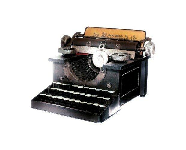Máquina de escribir. Máquina de escribir retro negra
