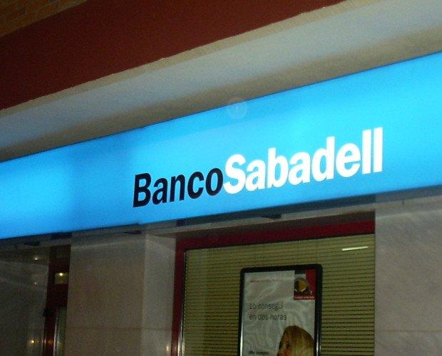 Rótulos luminosos. Banco Sabadell