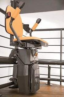 Dispositivos Médicos.Instalación silla salvaescaleras curva: Atenea