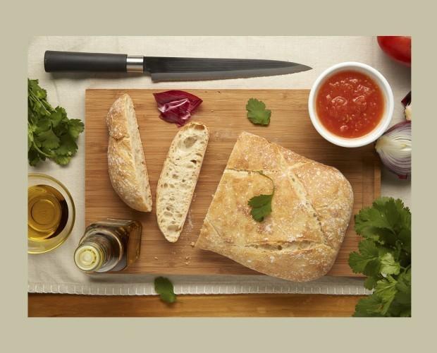Panes de origen. Nuestros panes están cortados y formados a mano.