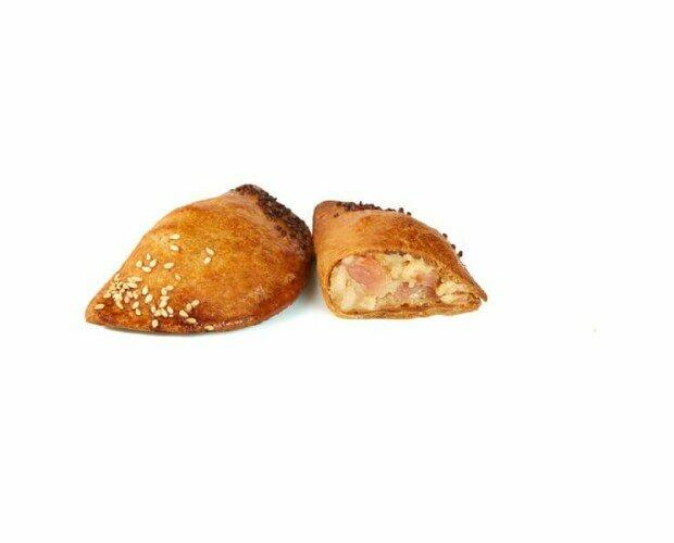 Empanadillas pequeñas. Empanadillas rellenas de jamón y queso