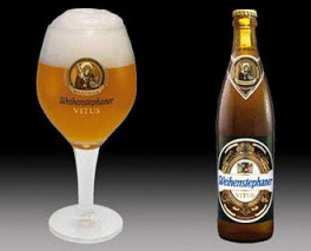 Weihenstephan . Cerveza bock de trigo bávara, 7,7% de alcohol