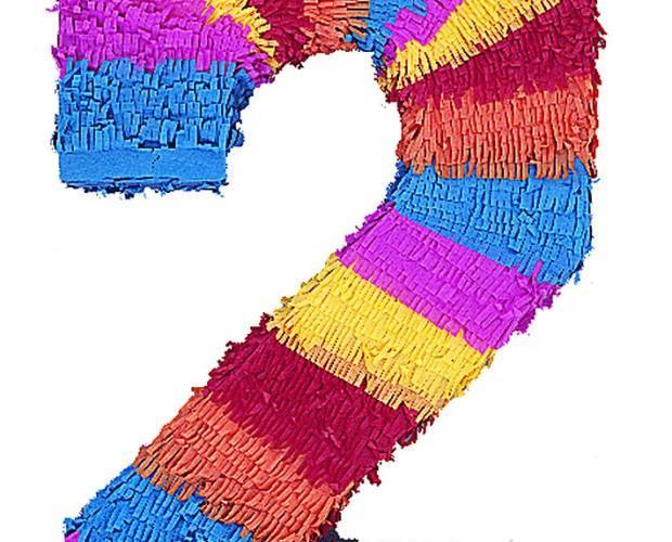 Decoración para Fiestas y Celebraciones. Piñatas. Ideal para festeja los dos años