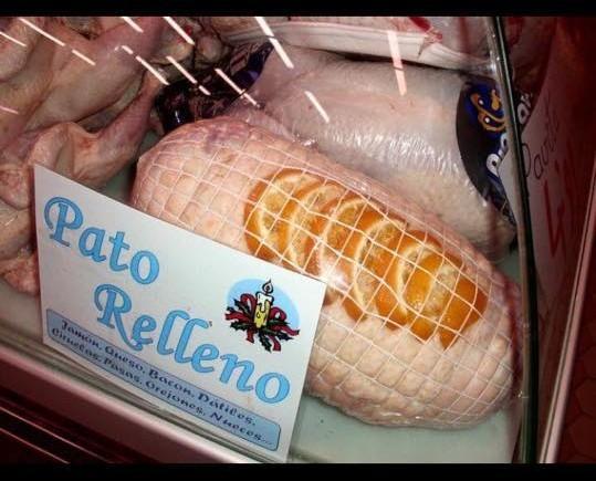 Pato relleno. Delicioso pato relleno