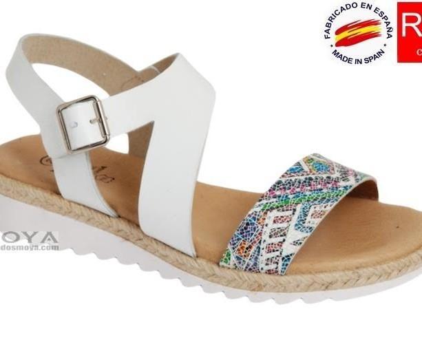 Sandalias confortables. Con la planta de piel acolchada
