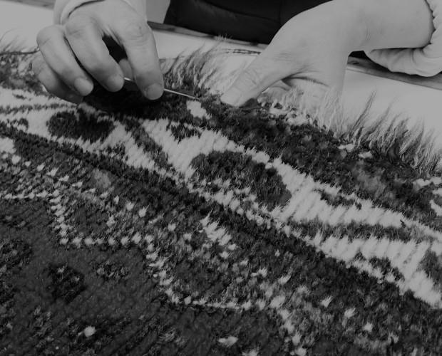 Mantenimiento y Restauración de Alfombras.Restauramos todo tipo de alfombras, ya sean rotos, quemados, flecos, ribetes, cortarlas....