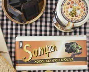 Chocolate de aceite de oliva. El sabor del aceite casi es imperceptible a nuestro paladar pero la textura que le da es increíble.