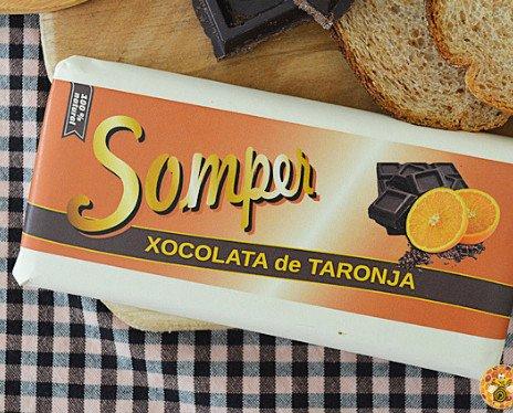 Chocolate de naranja. Tiene un 85% de cacao, lo que le da amargor que junto con la naranja le da un contraste especial.