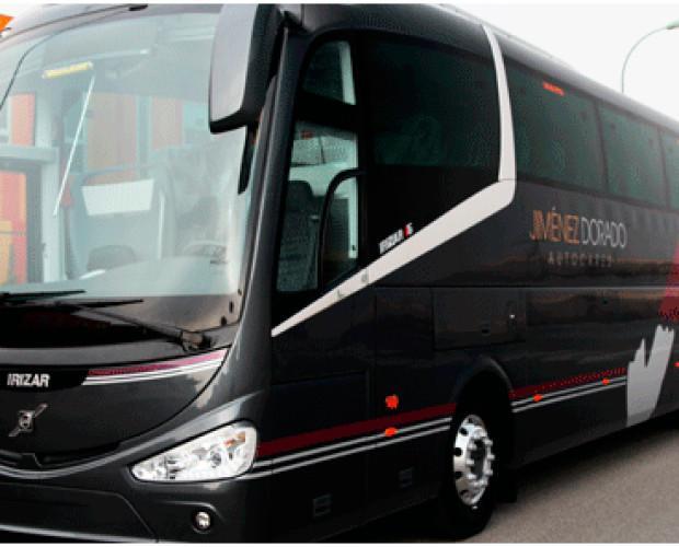 Alquiler de autobús. Autobús de pasajeros por carretera